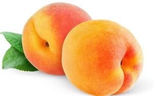 frukti-persiki-spelie-listya